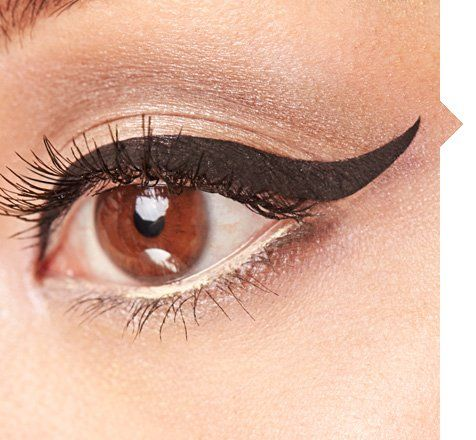 Perfect cat eye created with our Scribble Liquid Liners #emcosmetics #michellephan #emmichellephan
