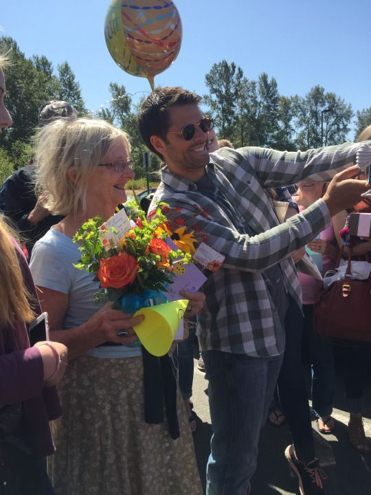 Misha Collins at Bellingham Gishwhes meetup to celebrate his moms 70:th birthday! photo by http://thursdays-fallen-angel.tumblr.com/