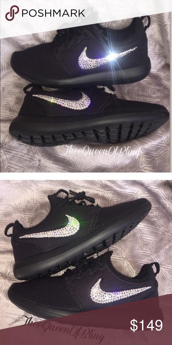 Black Nike Roshe two