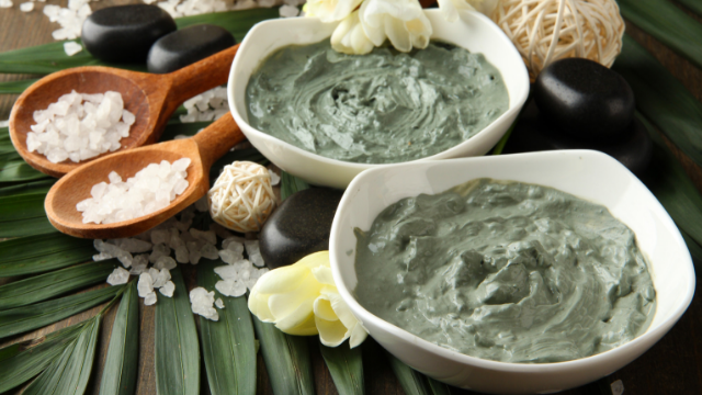 4 Bentonite Clay Mask Recipes for Healthy & Glowing Skin