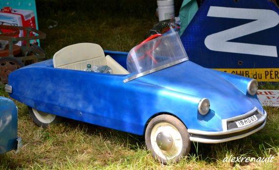 bourse d 39 changes d 39 uzerche old pedal cars pedal cars cars et vehicles. Black Bedroom Furniture Sets. Home Design Ideas