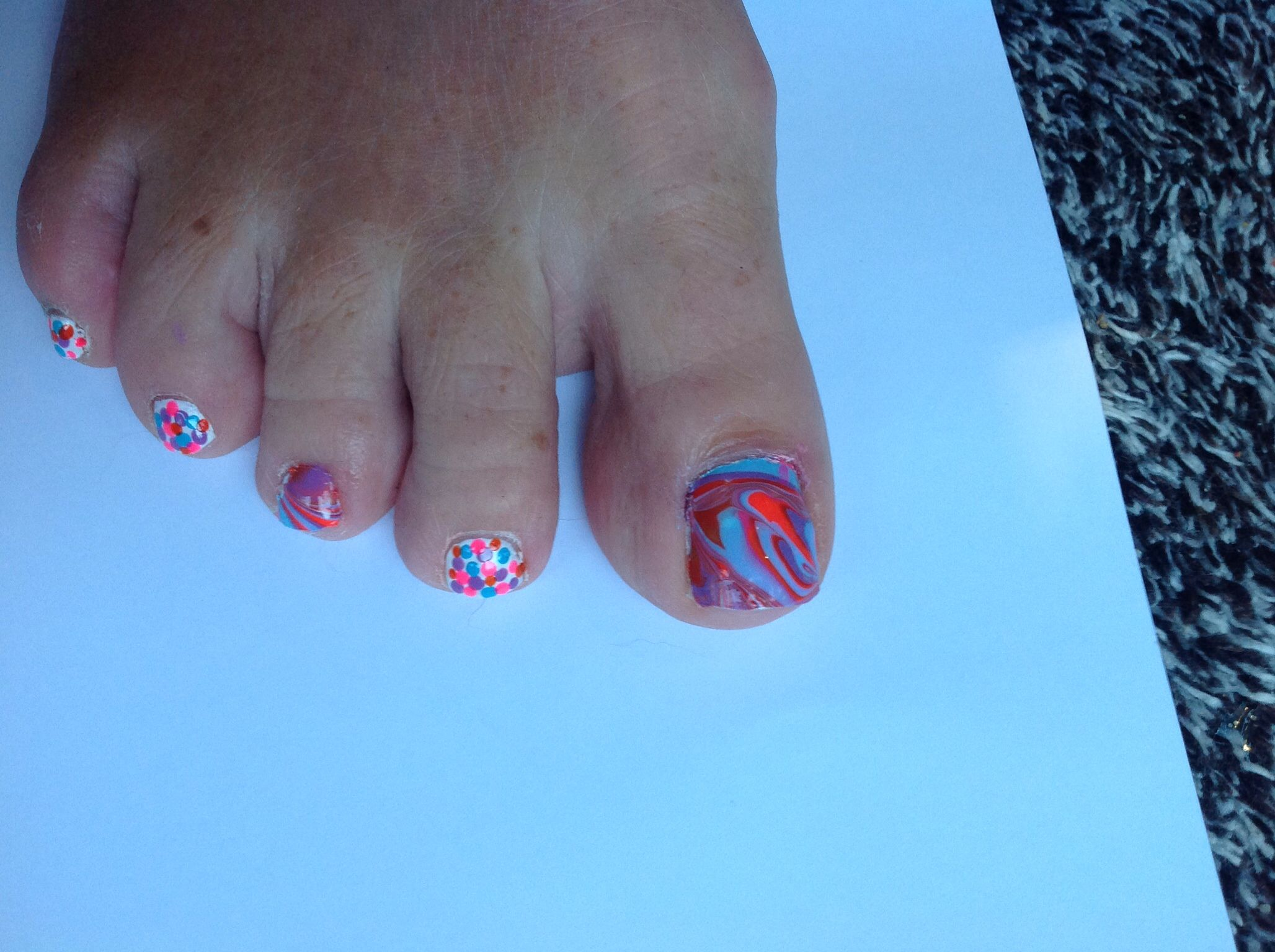 Diy Water Marbled Nail Polish Sticker Lied To Two Toe Nails White Base Coat Used
