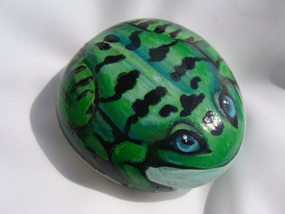 Painting Frogs On Rocks | frog painted rock | Painted Rock frog by Naturetrail on Etsy