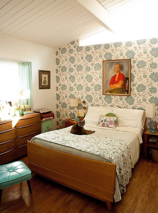 dustjacket attic retro classic midcentury bedroom with a
