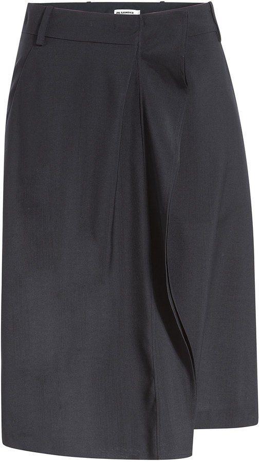 Pin for Later: Die schönsten Shorts fürs Büro  Jil Sander Woll-Shorts in blue (490 €)