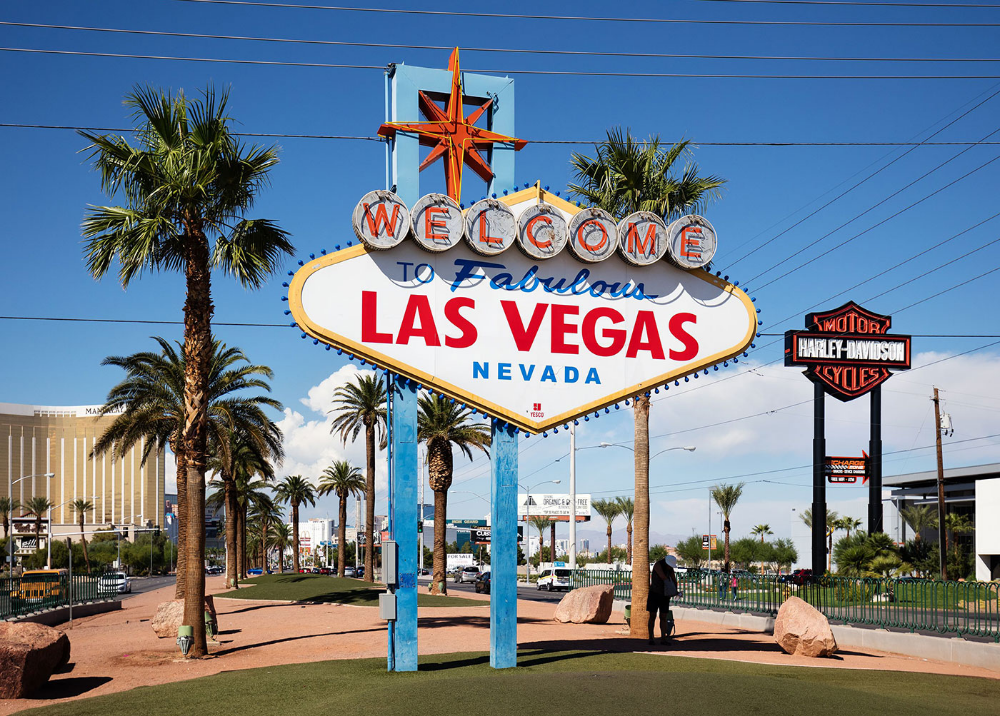 Welcome To Fabulous Las Vegas Sign Designed By Betty Willis 1959 Las Vegas Sign Las Vegas Resorts Vegas Sign