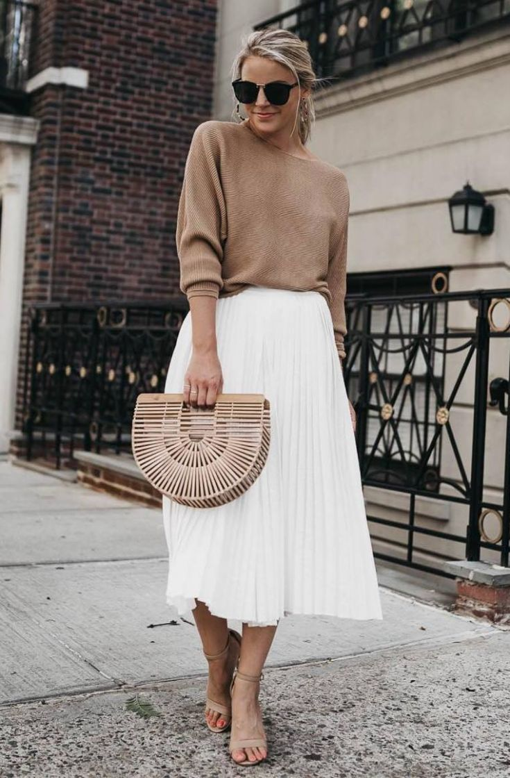 30+ Genius Outfits To Copy This Spring  - Mode - Röcke - #copy #Genius #Mode #Outfits #Röcke #spring #whiteskirtoutfits