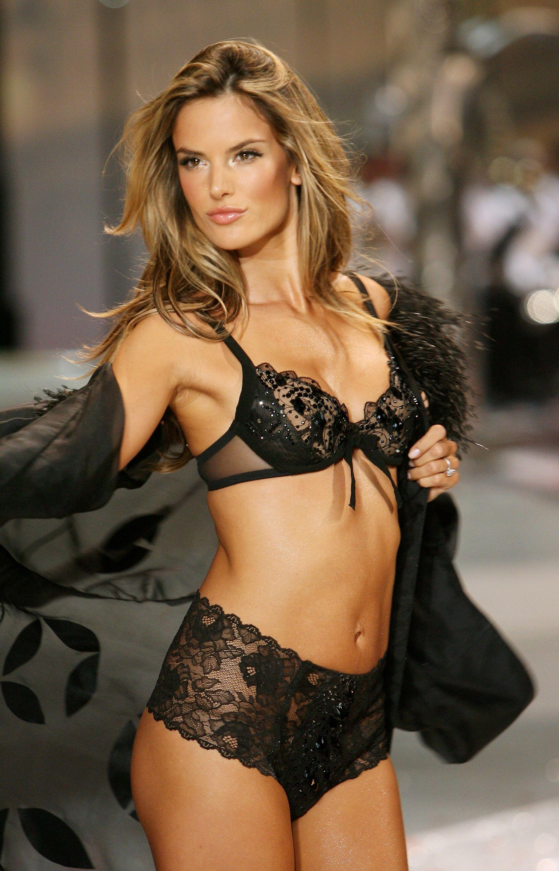 Alessandra Ambrosio | Black lingerie | Pinterest | Alessandra ...