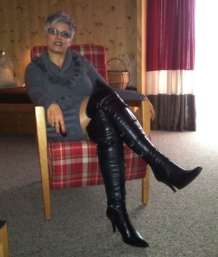 Mature ladies boots