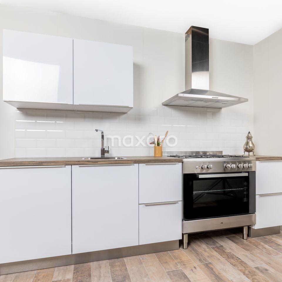 Deze Rechte Keuken Is Inclusief Voorgemonteerde Kasten Met Scharnierdemping Op Deuren En Lades Handgrepen Plint Met Ste Keuken Keuken Inspiratie Witte Keuken