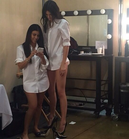 19 Things You Can T Get Away With When You Re Tall Kendall And Kourtney Kendall Kendall Jenner