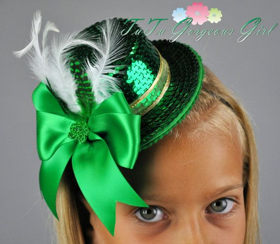 Gold Hair Bow Photo Prop Girls Hair Clip Shamrock Green Glitter Bow Hair Clip St Paddy/'s Day Hair Bow St Patrick/'s Day Hair Clip