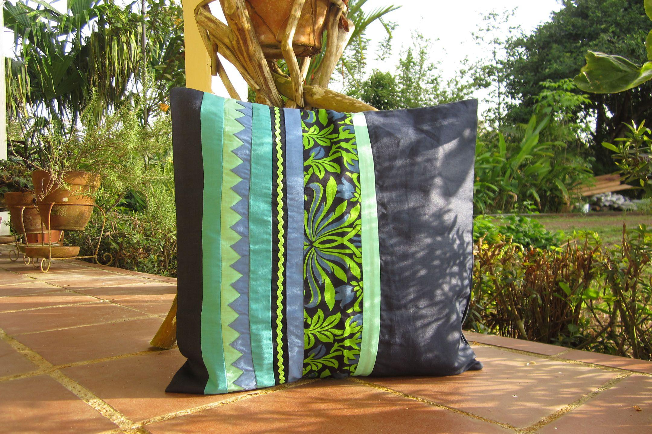 hermosos cojines confeccionados a mano con diseños étnicos de Panamá