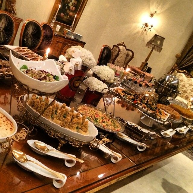مشكورة حبيبتي حمدة على العزيمة الحلوة ما قصرتي فديتج Thank U Dear Hamda 4 The Sweet Gathering Padg Buffet Food Food Display Table Food Display