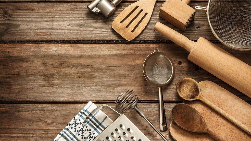 Puisten keittiötyövälineiden puhdistus