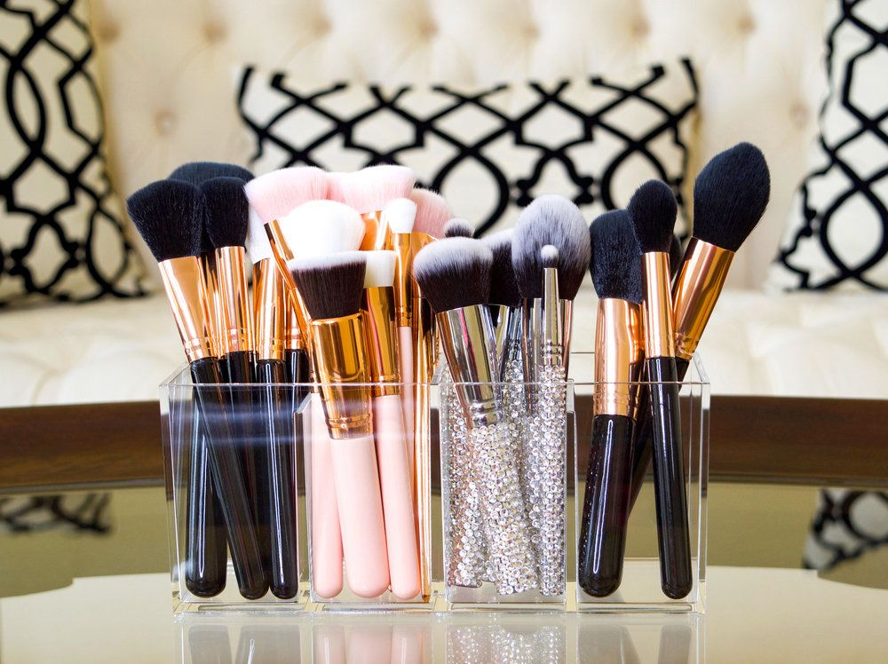 Pin by Kenzie Johnston on Beauty Makeup brush holders