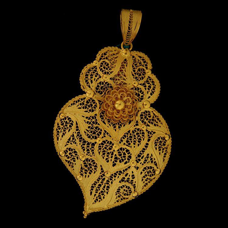 Filigree Heart from Viana do Castelo Jewelry Ourivesaria freitas 2015