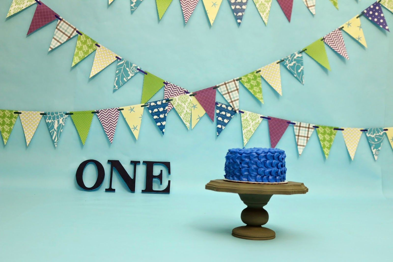 ChemKnits: Cake Smash Stand (and a Birthday Cake!)