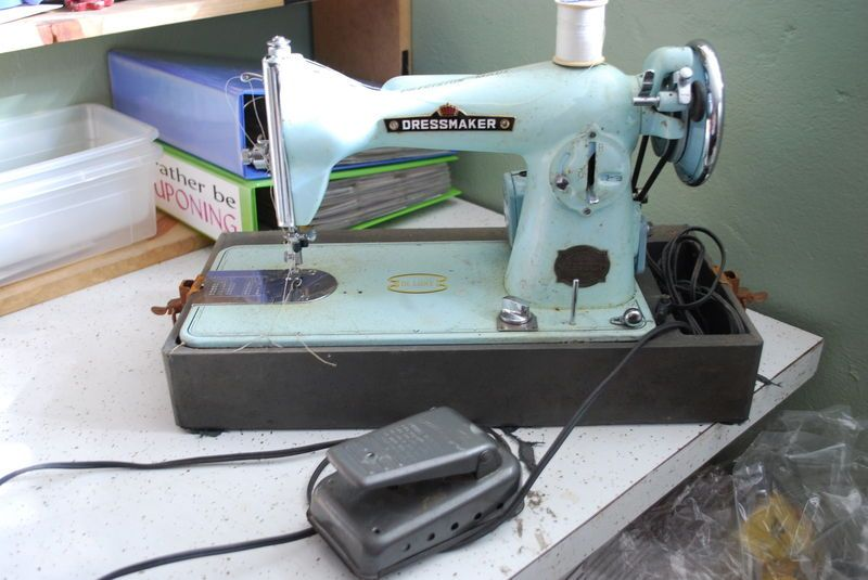 Vintage Aqua Blue Dressmaker Deluxe Sewing Machine Monarch Motor New Dressmaker Special Sewing Machine