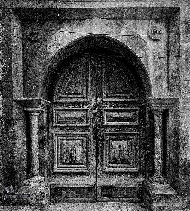 Make This Door In 1916 The Old City Of Tripoli Bu Khokha Door In The Old City صنع هذا الباب سنة 1916 بالمدينة القديمة طرا Libya Culture Art All About Africa