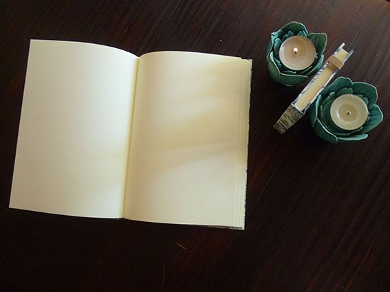Cuadernos revestidos con papel decorado