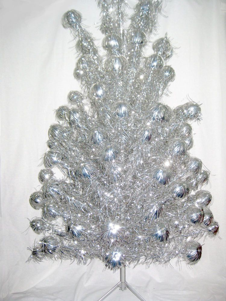 Silver Aluminum Christmas Tree 612 Ft 105 Branches Box Mid