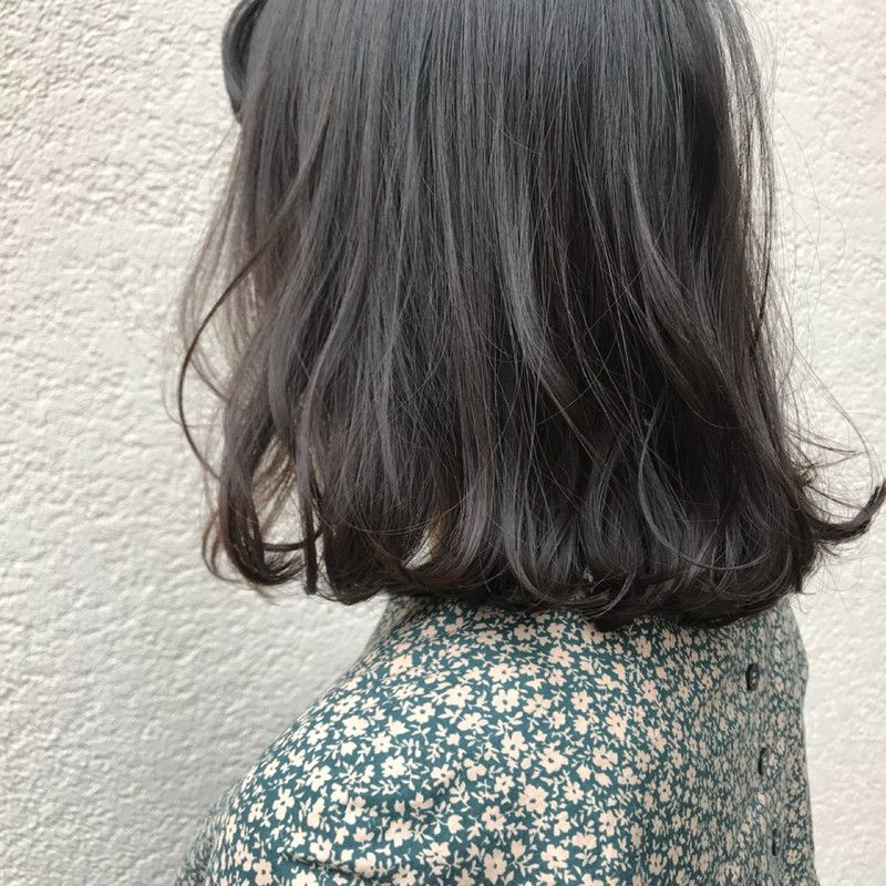 今 人気のお洒落な暗髪カラーの ブルーグレージュ ブルー