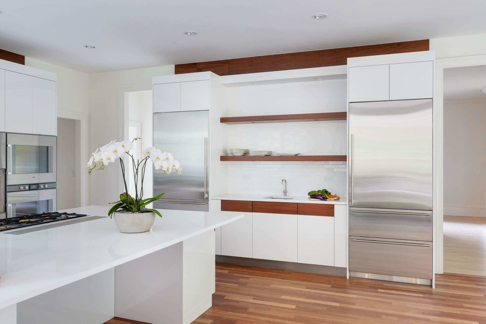 Newton Kitchens Design Exceptional Cabinetry Needham Ma Modern Kitchen Design White Modern Kitchen Old Country Kitchens