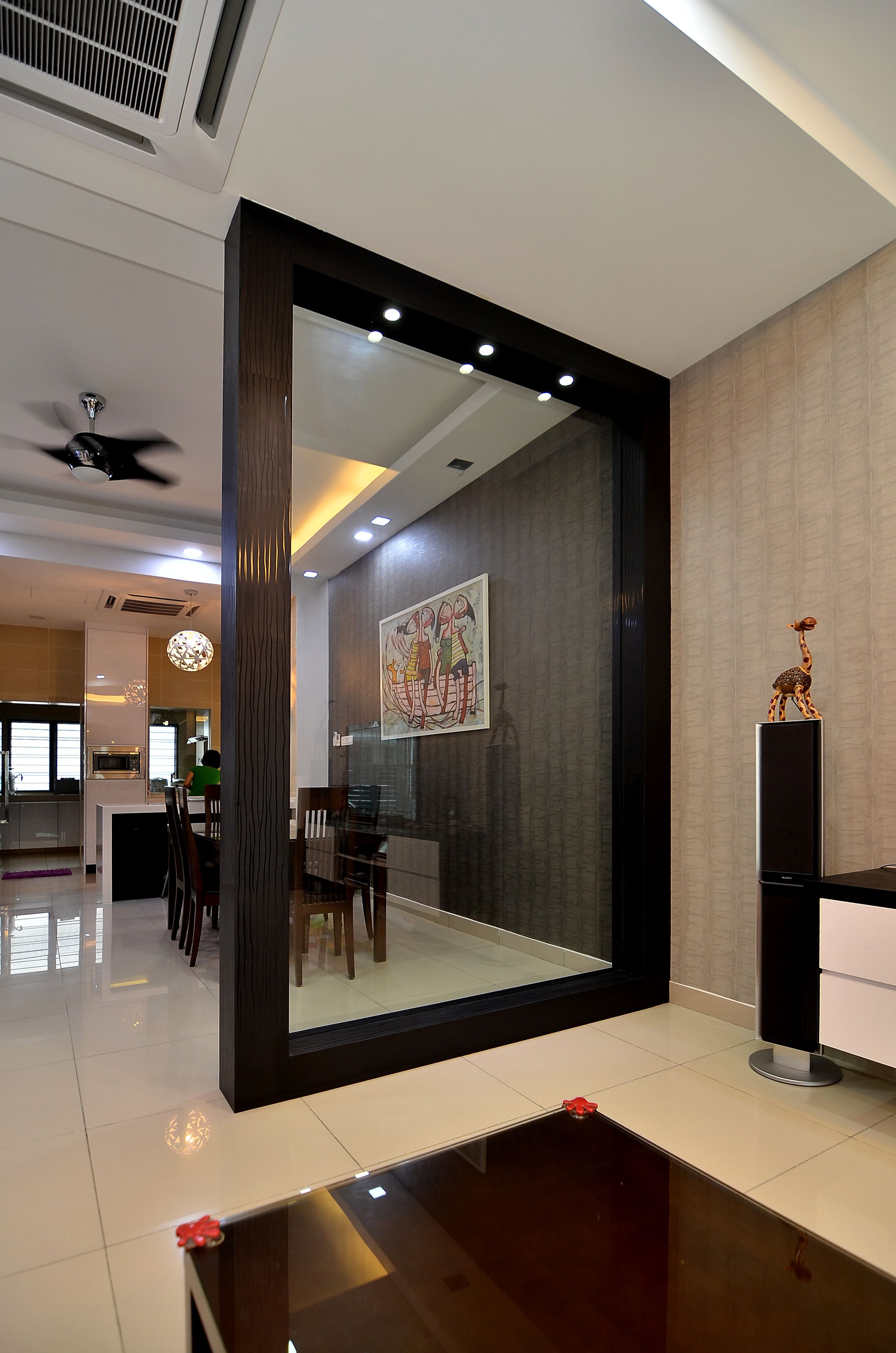 Wooden partition with glass to separate dining place from for Wall designs for dining area