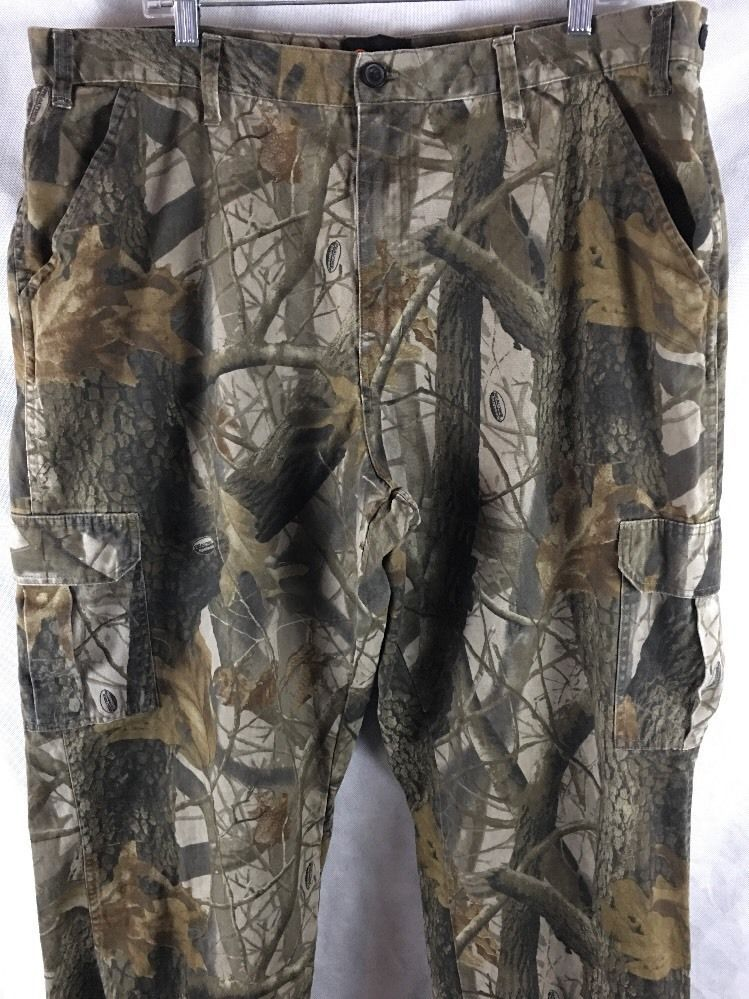 55d0ca7640cd0 Outfitters Ridge Mens XL (40/42) Cargo Camo Hunting Pants Realtree  Hardwoods #OutfittersRidge