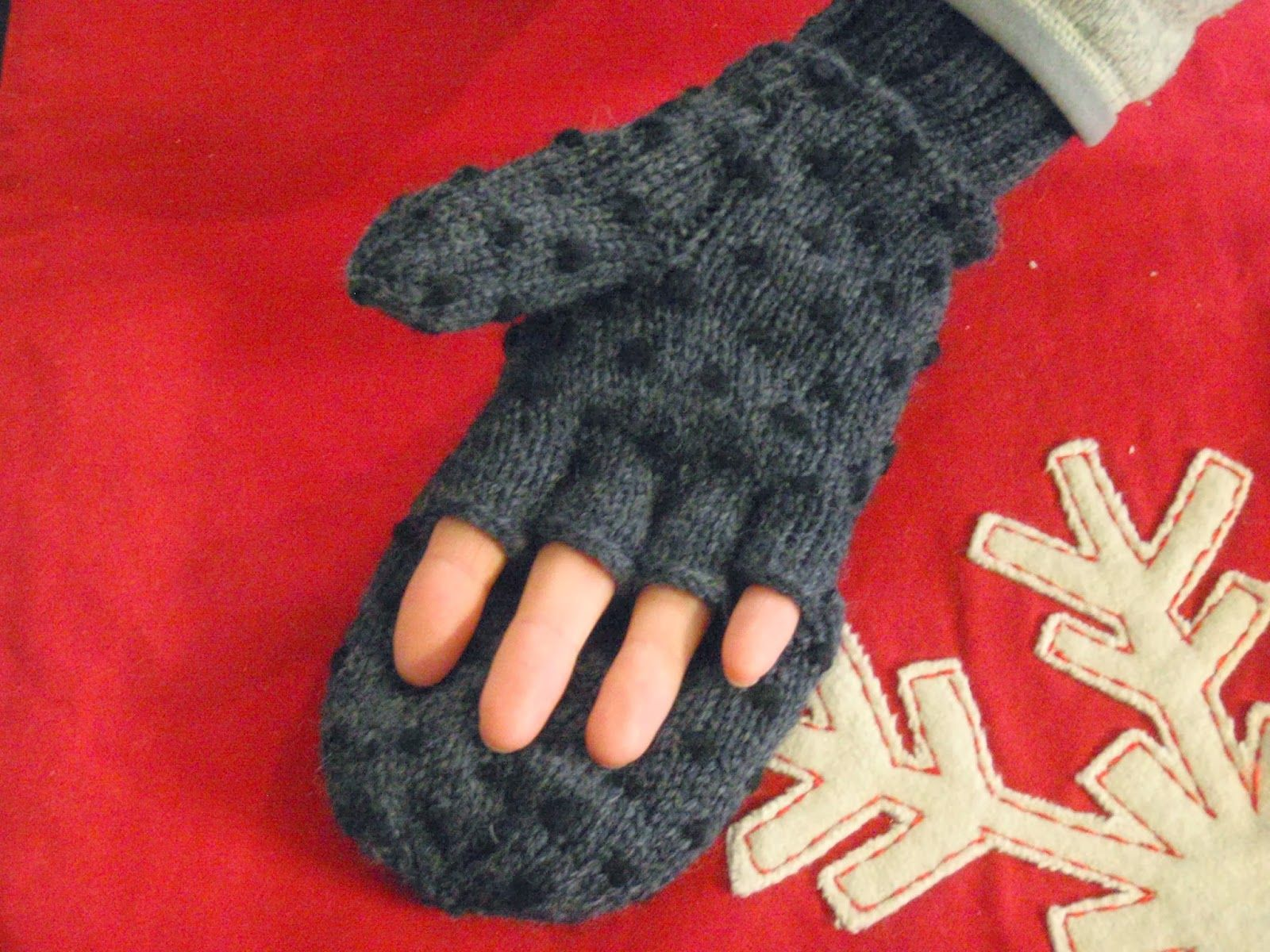This is a pattern autumn hill llamas fiber knitting pattern 4 convertible thrummed mittens free knitting pattern good idea would be super warm and functional bankloansurffo Images