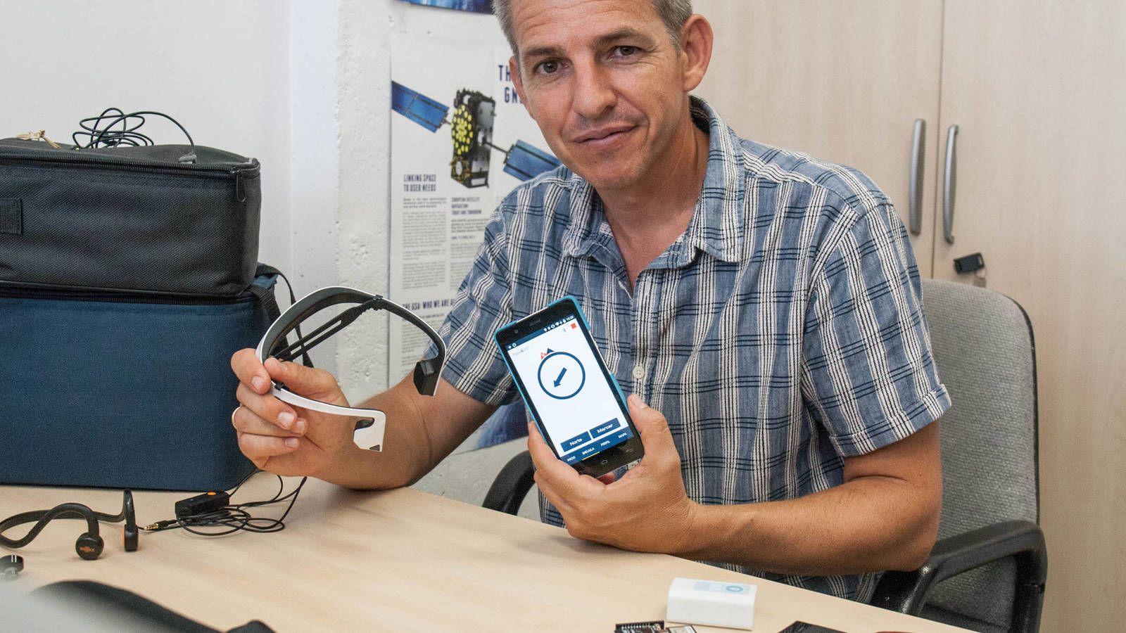 La 'startup' española que promete mejorar la vida de miles de ciegos con una simple 'app'