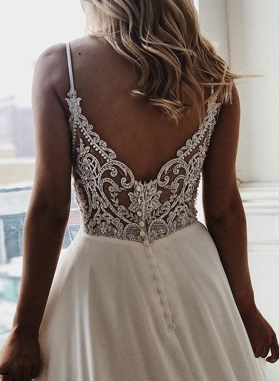 Weißes langes Abendkleid aus Chiffon mit V-Ausschnitt, Abendkleid - trendig #lacechiffon