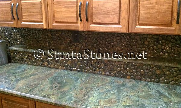 Polished Tiger Pebble Tile Kitchen Backsplash W Drk Grout My Kitchen Pinterest Tigrar Och K K