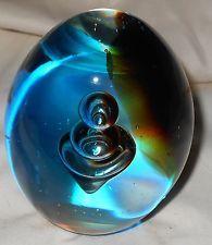 Pisapapeles De Cristal Arte Huevo en forma de controlado burbujas Oro Azul De Colección