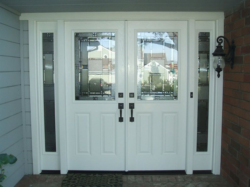 Double entry door with sidelights double entry doors for Double front doors with glass
