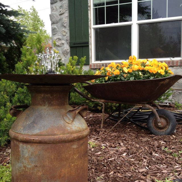 Simple Water Features For The Garden: Easy Fountain. Recirculating Water In An Old Milk Can And
