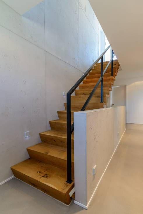 16 ideen f r w nde im flur mit dem gewissen etwas flure diele und treppenhaus. Black Bedroom Furniture Sets. Home Design Ideas