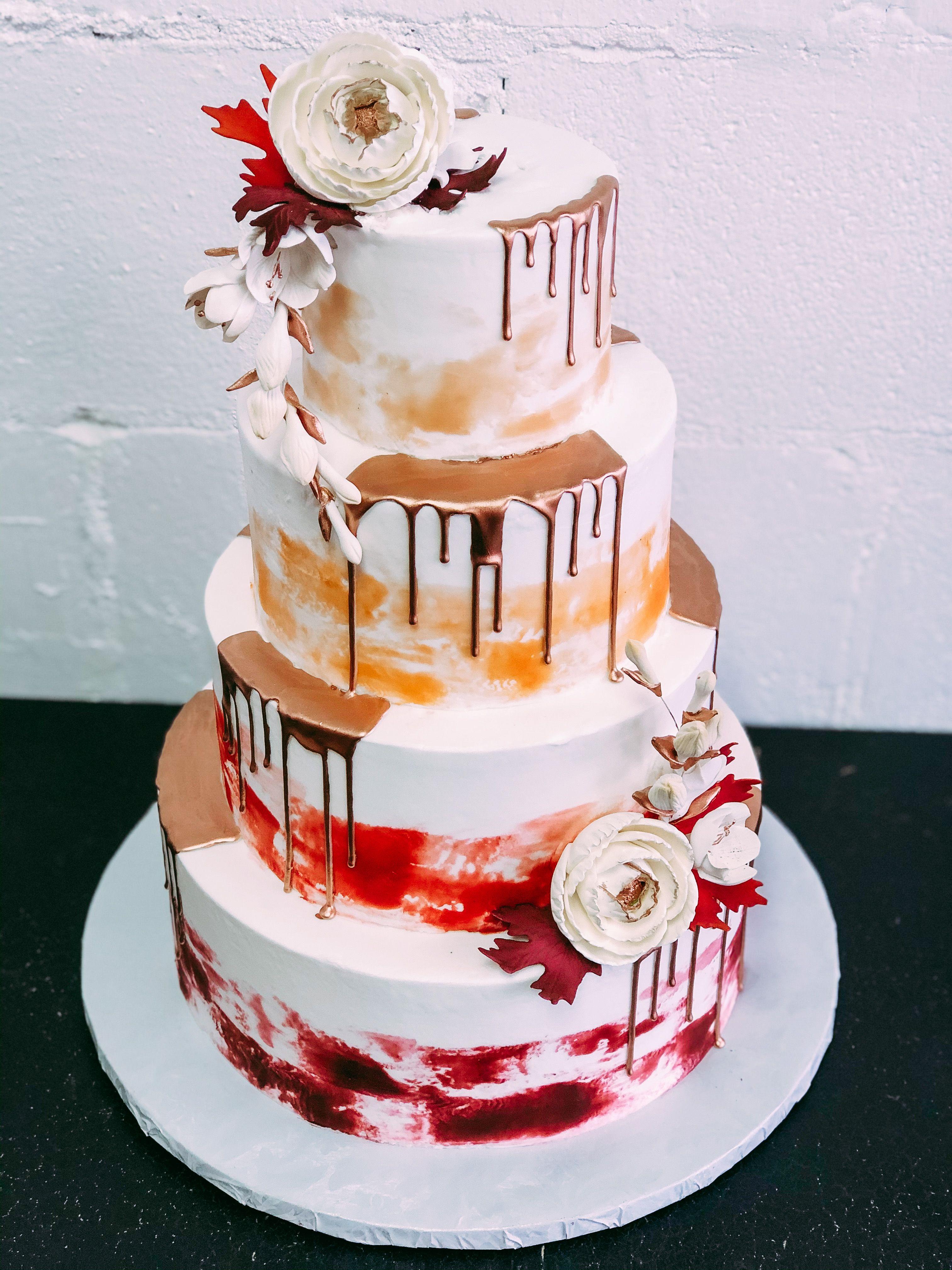 Drip cake - Cake by Wilmas Droomtaarten - CakesDecor