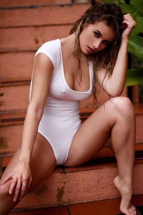 Images of naked couples vith hot kisses