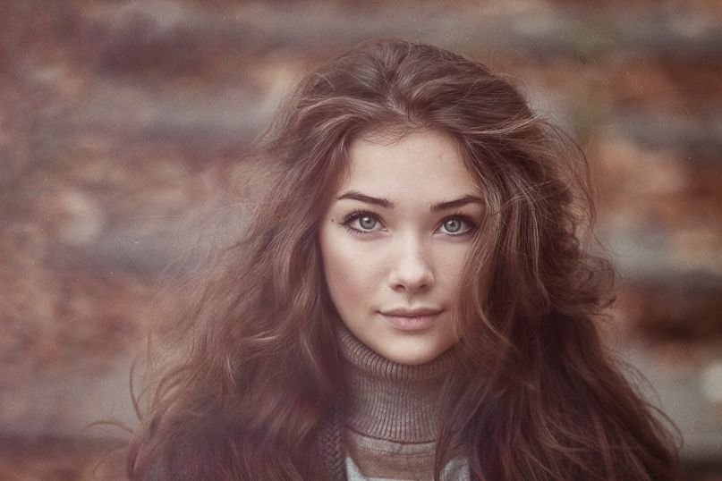 Character Inspiration Woman Brown Curly Hair Grey Eyes Female