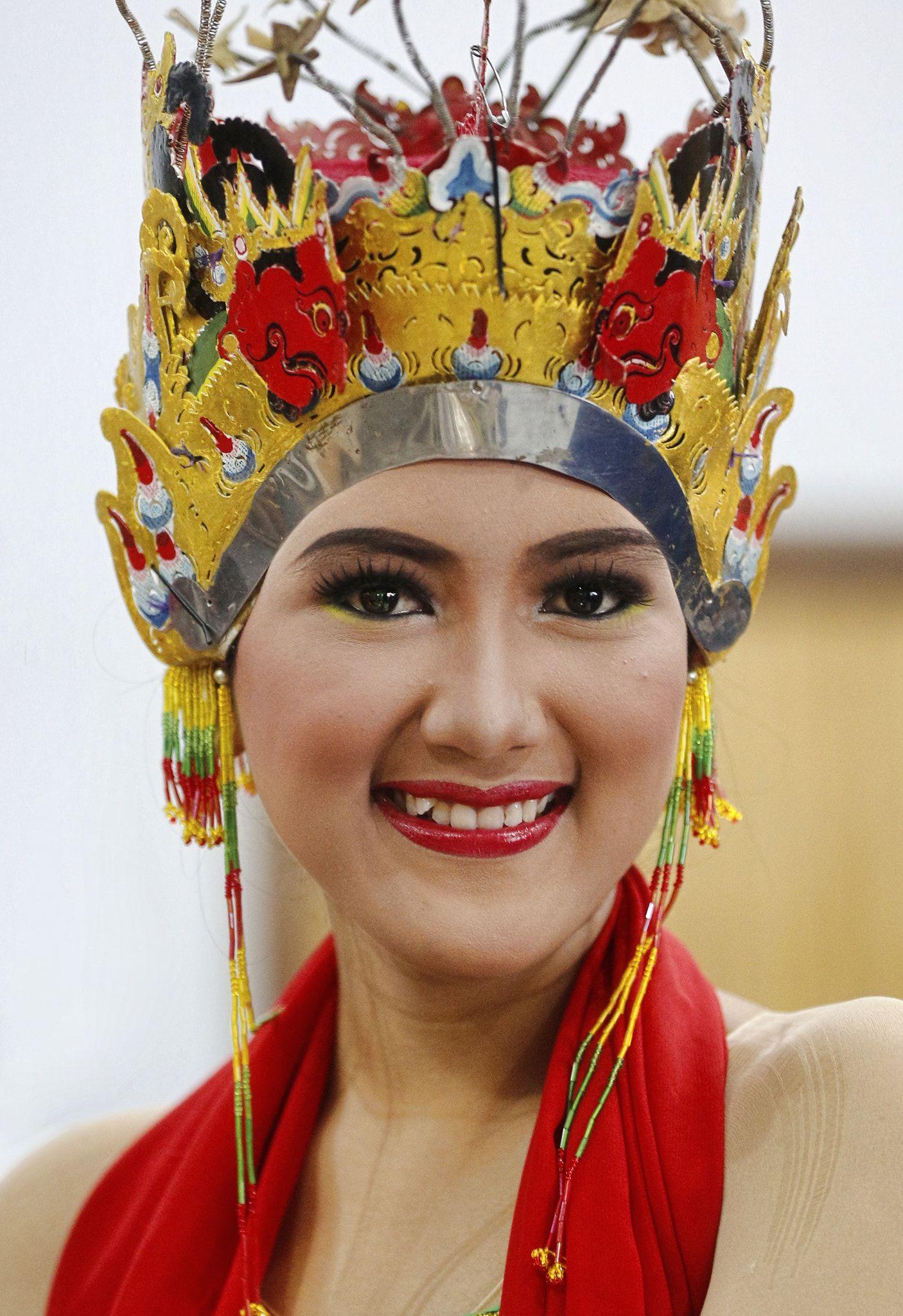 Kasuotan Pinoy | Modern filipiniana dress, Filipiniana