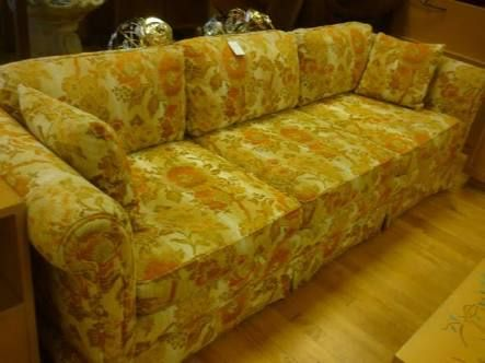 Pin By Mark Sofi Buurmeijer On Chris Short Floral Sofa Retro Couch Floral Couch