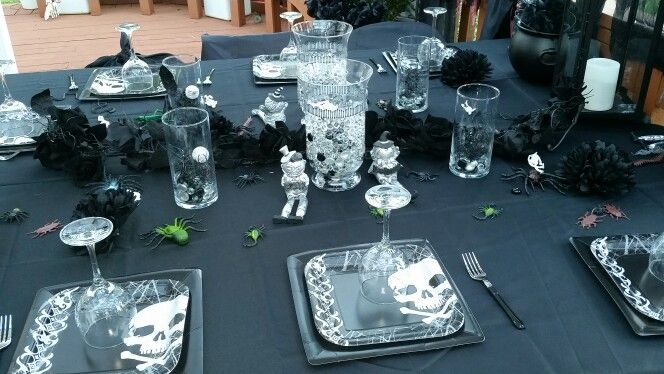 Skeleton party table