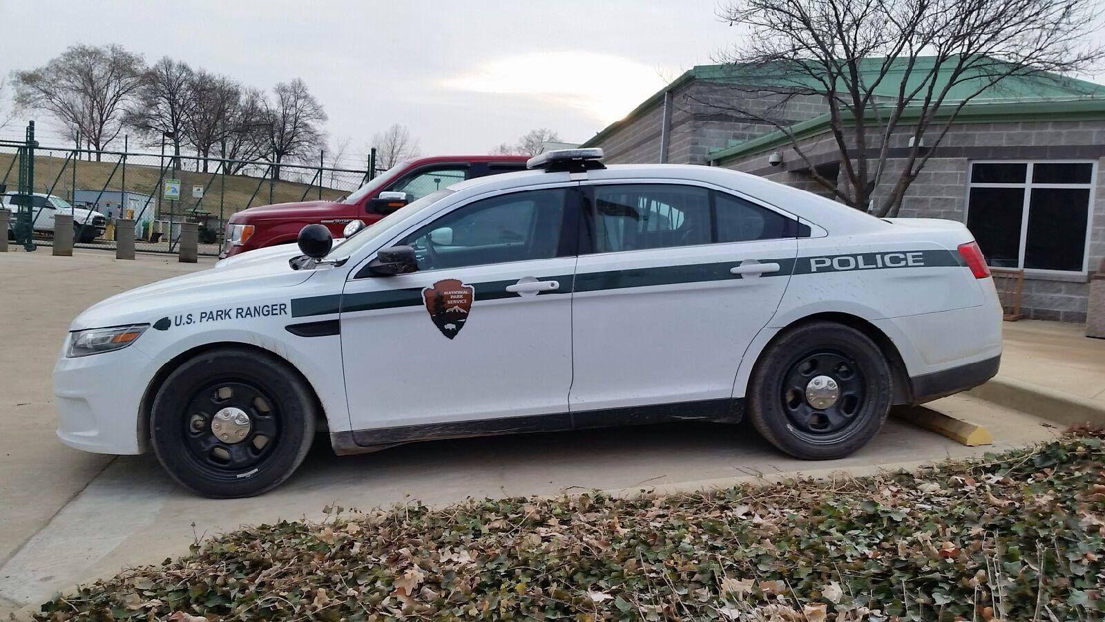 National park service nps law enforcement vehicle ford crown vic