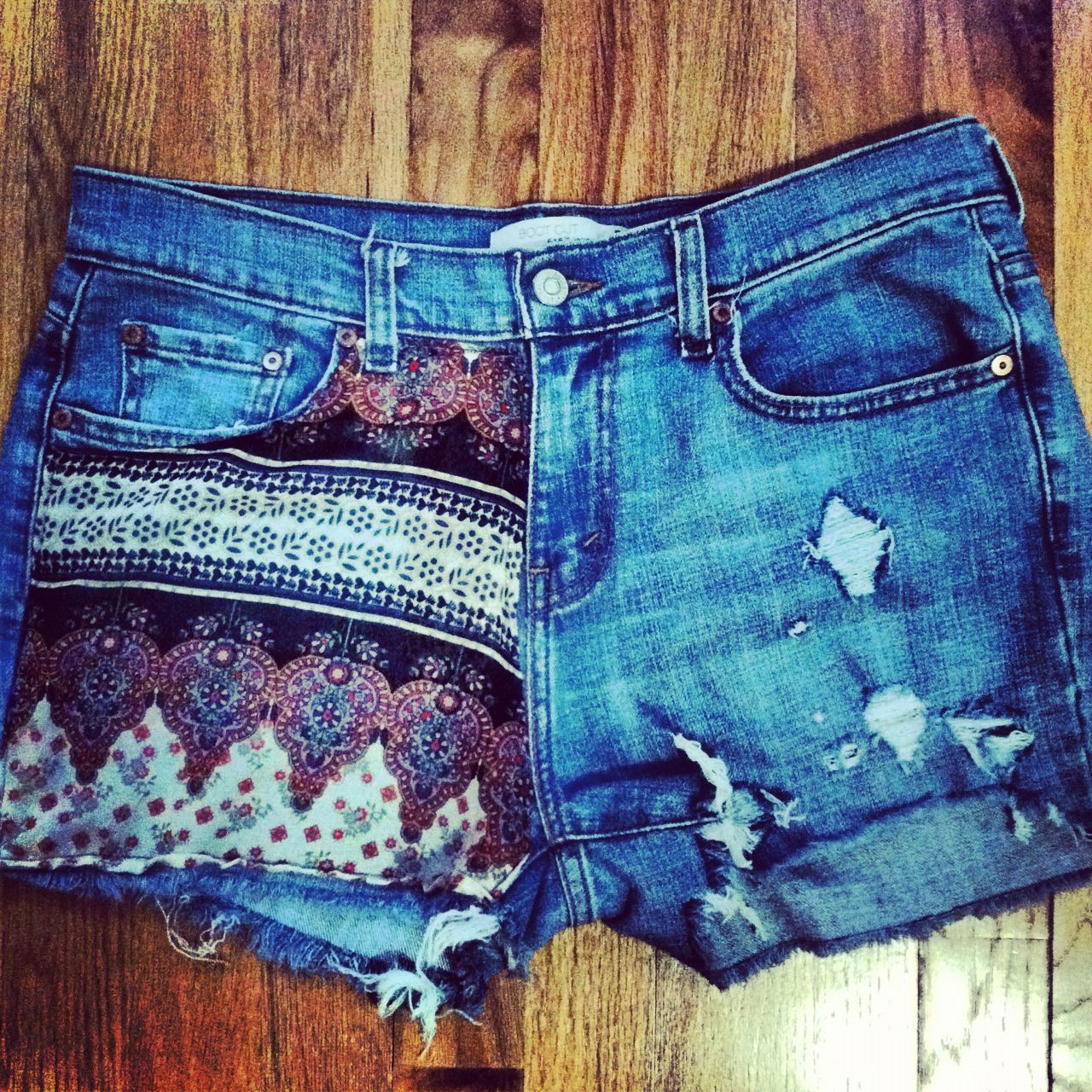 DIY shorts. Super cute design, with awesome summer colors ...