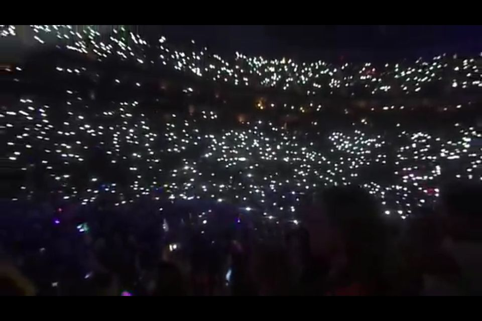 @Harry Styles   Do you remember the Pittsburgh show during Little Things when we all sang the end to you? One of the most amazing things I've ever seen and heard. Amazing to know I was a part of it. Love you. Xx