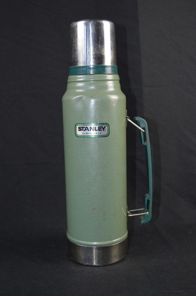 Stanley 1 1qt 1 Liter Vacuum Bottle Green Classic Thermos W Lid Handle Vacuum Bottle Thermos Bottle