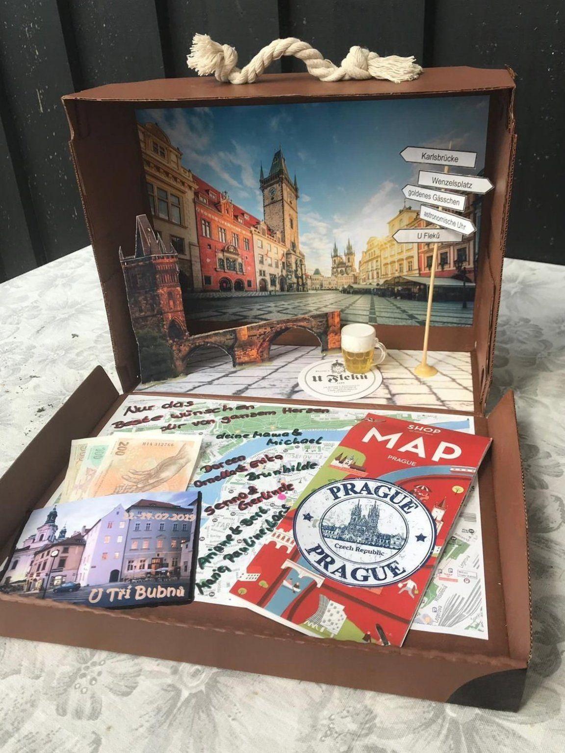 Geschenk Reise Urlaub Reisegeschenk Prag In 2020 Geschenke Verpacken Reise Geschenke Geschenke Verpacken Weihnachten