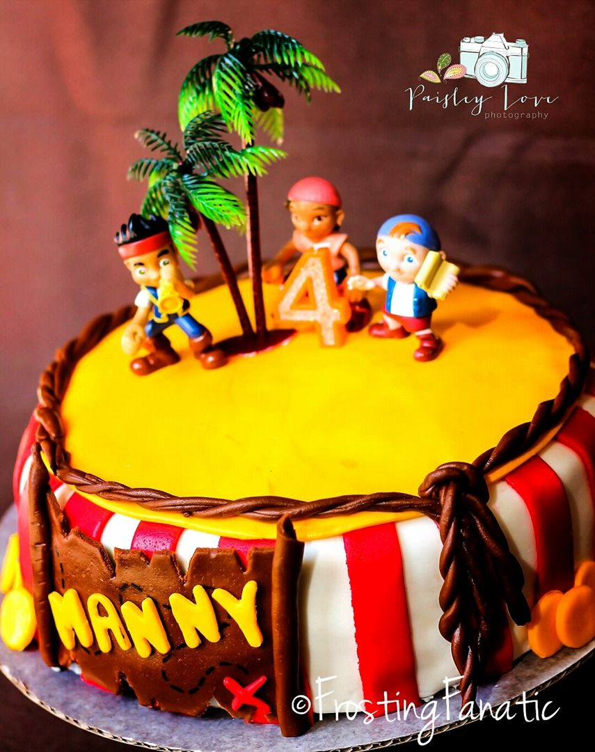 Frosting Fanatic: Fondant Jake and the Neverland Pirates Cake. www.frostingfanatic.com